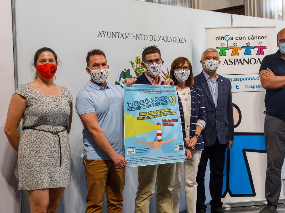 'Brazadas solidarias' lanza el reto de nadar 6.000 km por el cáncer infantil.