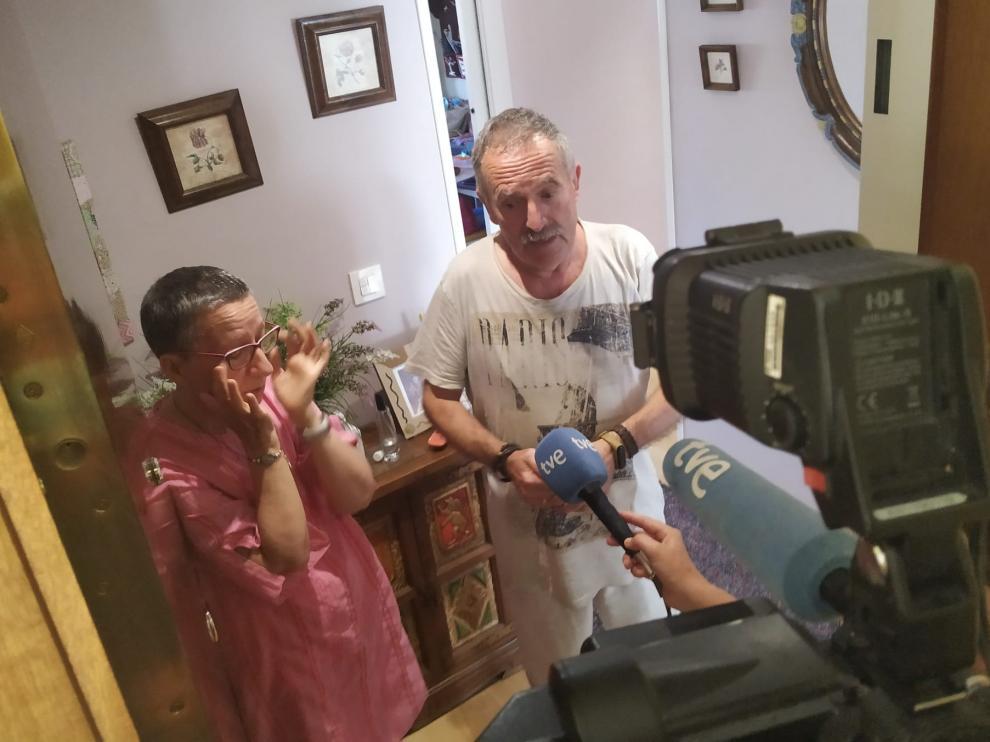 Los vecinos del hombre acuchillado por su hijo en Zaragoza rememoraban este lunes el trágico suceso.