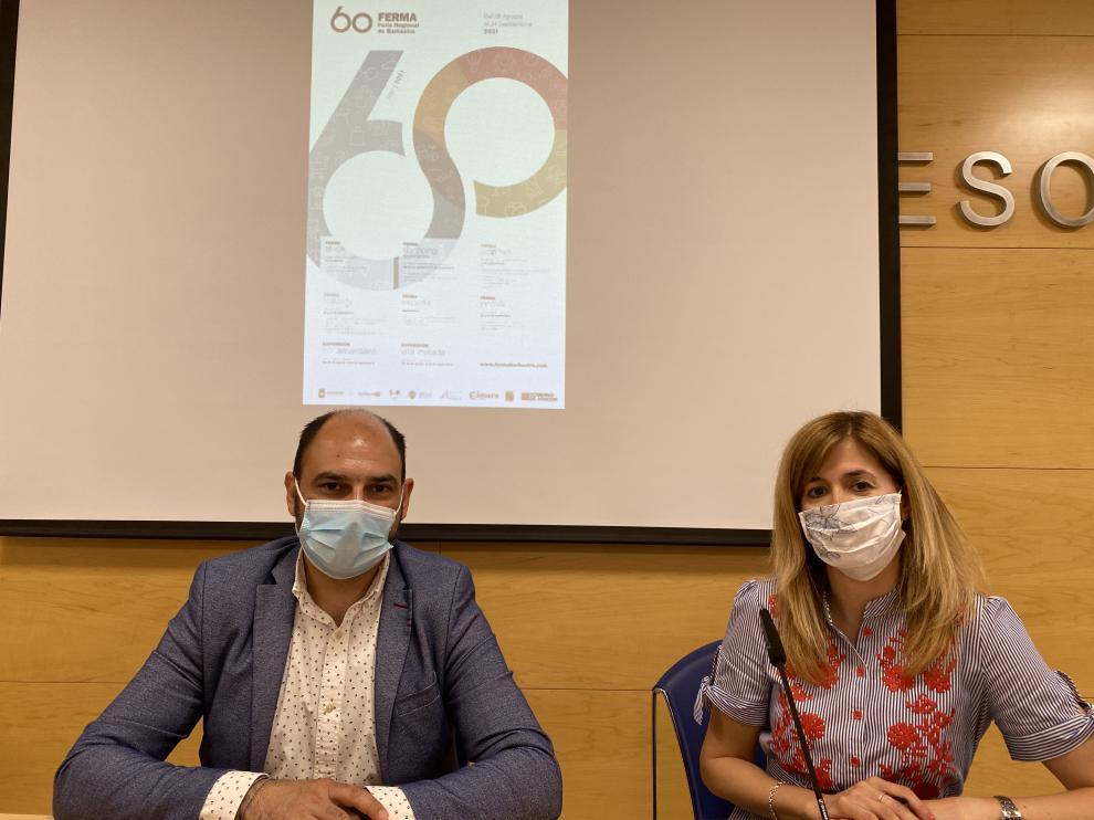 Fernando Torres, alcalde, y Belinda Pallás, concejal de Desarrollo, en la presentación de Ferma en Barbastro.