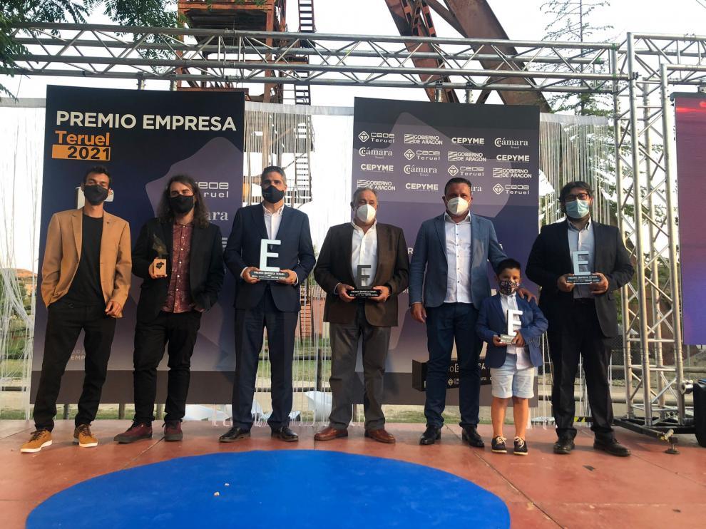 Los galardonados en los Premios Empresa Teruel posan en la gala celebrada en Andorra.