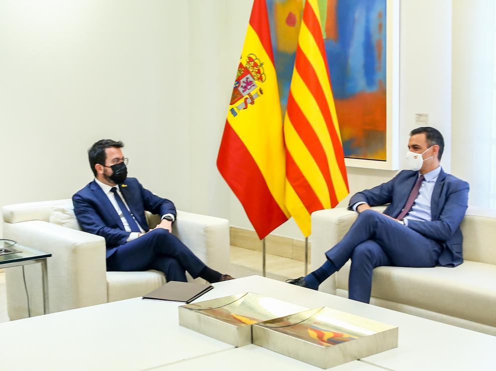 Sánchez recibe a Aragonès en la Moncloa