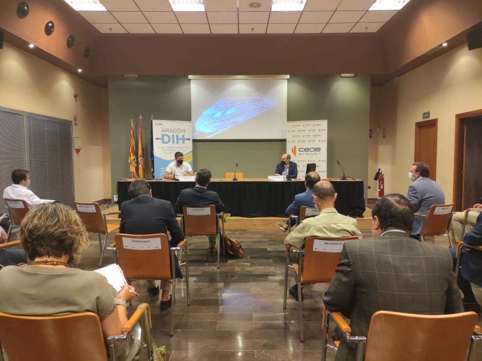 Momento de la intervención de Roberto Lorente en la jornada 'Transformación digital de la logística' celebrada en la sede de CEOE Aragón.