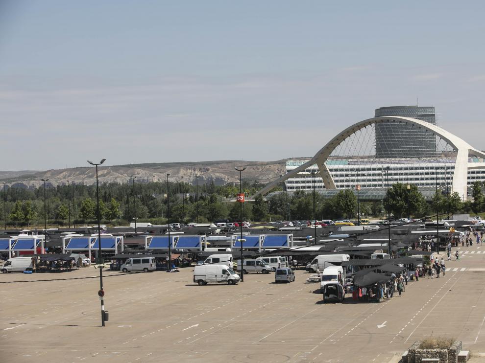 El mercadillo ambulante de Zaragoza este miércoles.