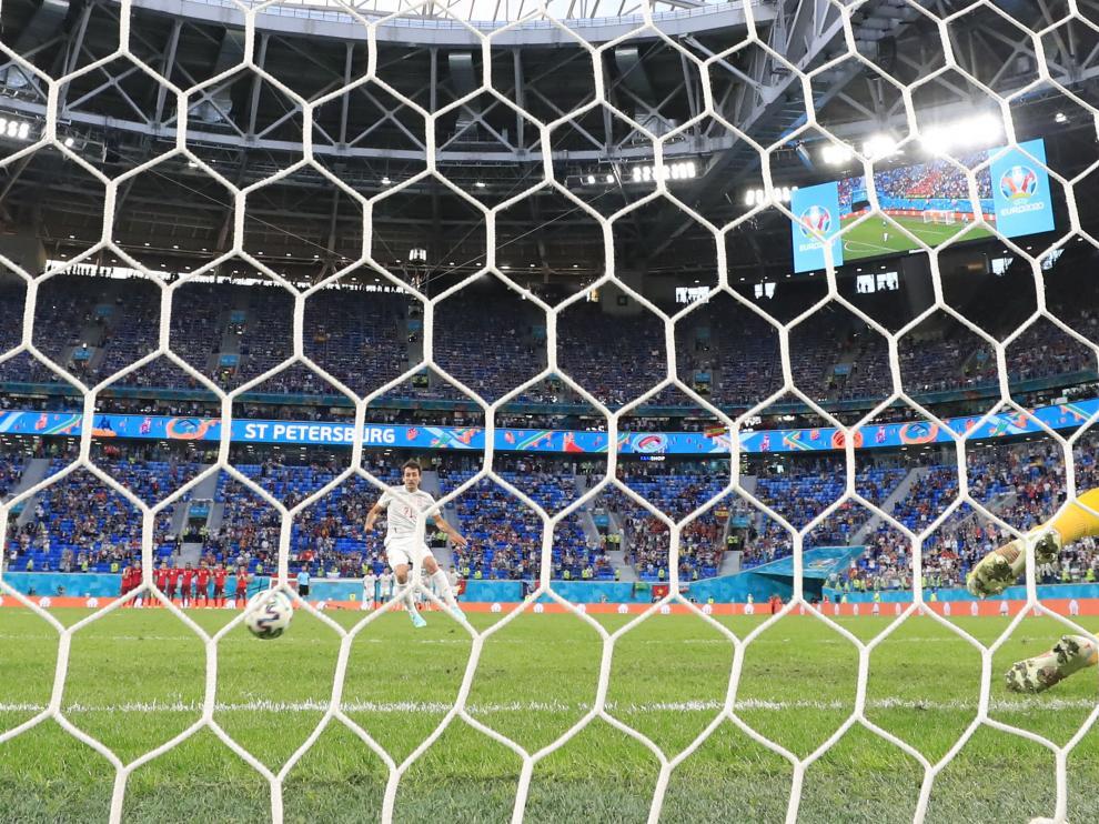 Oyarzabal lanza el penalti que da el pase a España, ante Suiza, a las semifinales de la Eurocopa