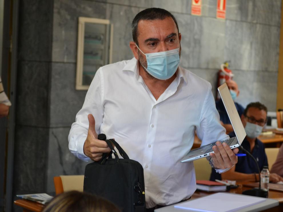 José Luis Ansón en un momento del pleno de la comarca del Campo de Cariñena celebrado este viernes