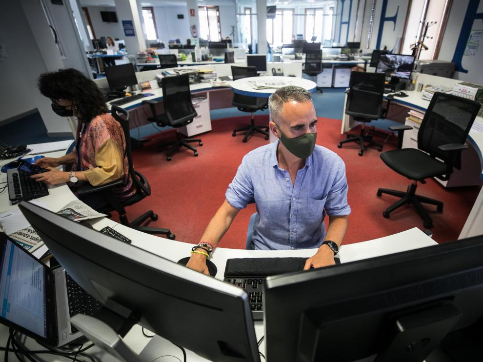 Jorge Mora en la redacción de Heraldo de Aragón.