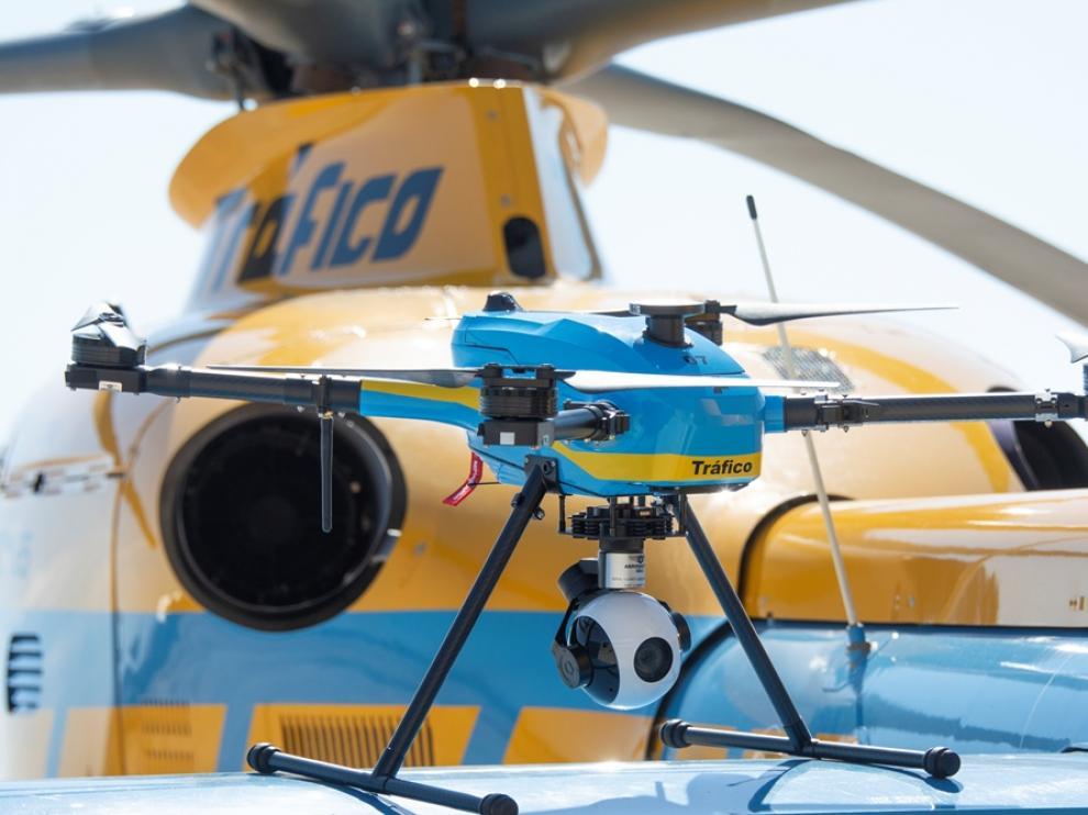 La Dirección General de Tráfico distribuye los 39 drones que vigilarán las carreteras españolas este verano.