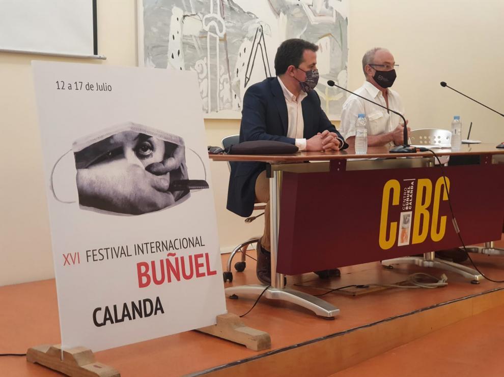 Alberto Herrero, alcalde de Calanda, y Jordi Xifra, director del festival.