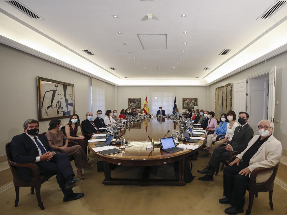 Primera reunión del Consejo de Ministros del nuevo gabinete de Pedro Sánchez.