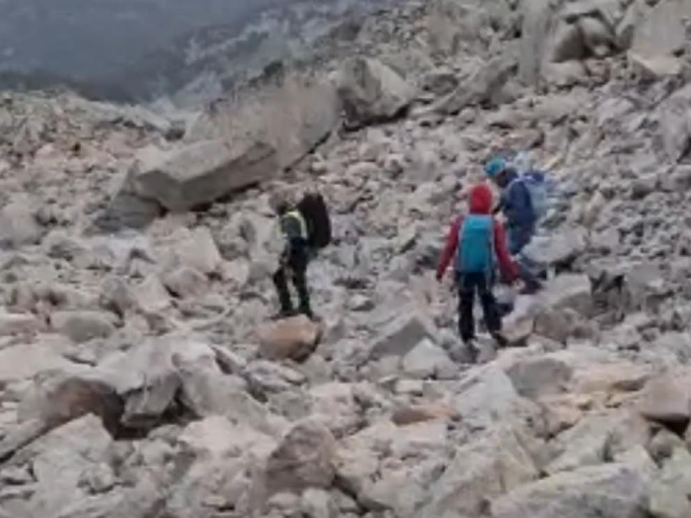 Rescate de una pareja de montañeros enriscados en Benasque.