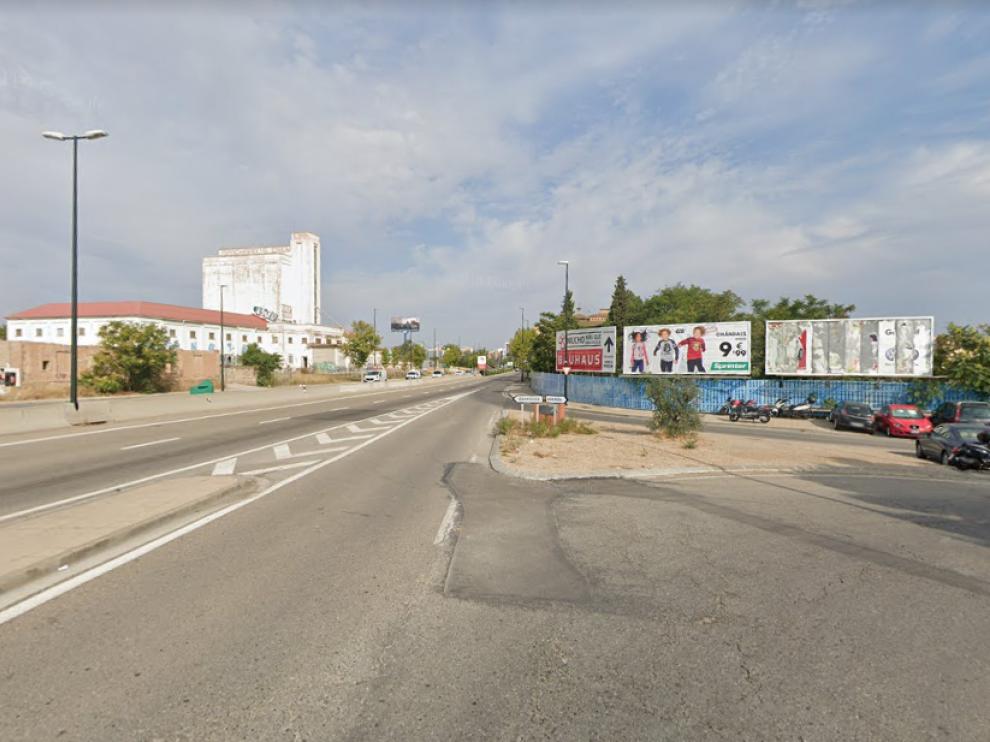 Dos heridas leves en la colisión de tres vehículos en la carretera de Castellón, en San José.