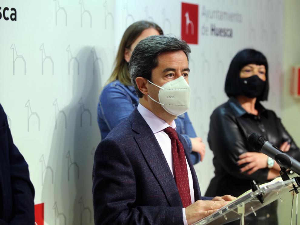 El alcalde de Huesca, Luis Felipe.