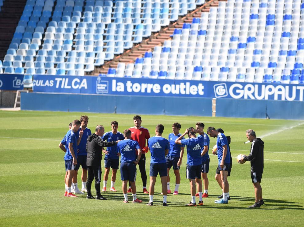 Entrenamiento del Real Zaragoza en La Romareda
