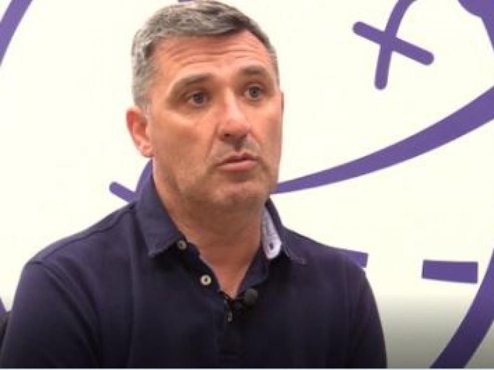 Emilio Larraz, en su primer día como entrenador del RZD Aragón, filial del Real Zaragoza, en su tercera etapa como técnico blanquillo.