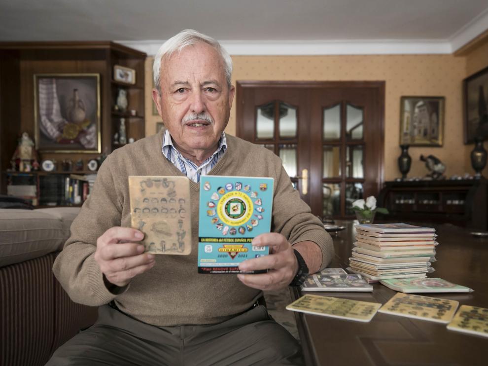 Tomás Tocino, con el segundo y el último ejemplar del Calendario Dinámico.