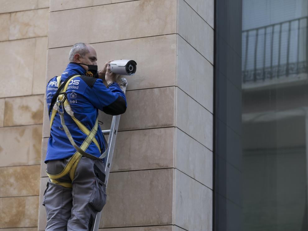Instalación de cuatro cámaras de vigilancia en el sector Pignatelli