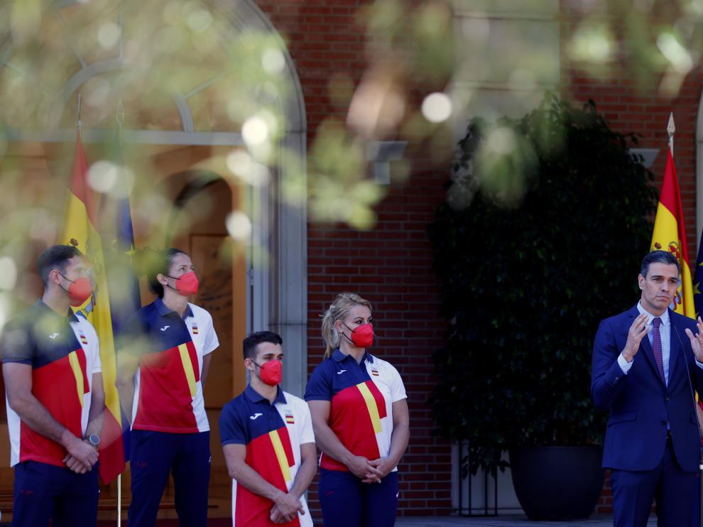 El presidente del Gobierno, Pedro Sánchez, recibe al equipo olímpico español que va a participar en los Juegos Olímpicos de Tokio