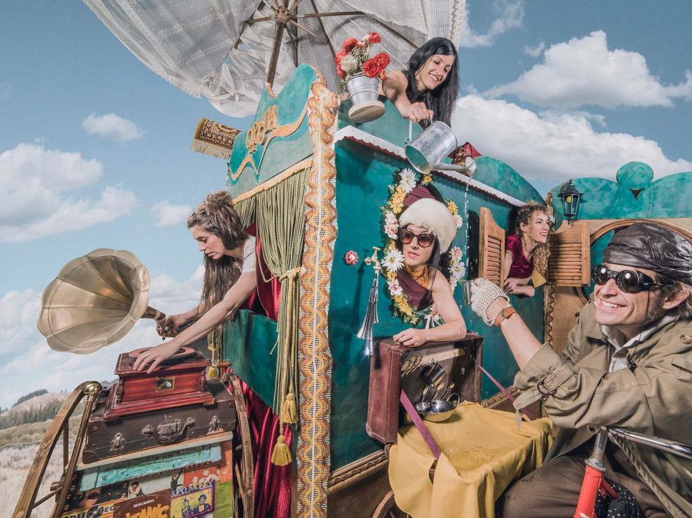 Imagen de la compañía Capicúa, cuya actuación 'Koselig' será en Tamarite de Litera