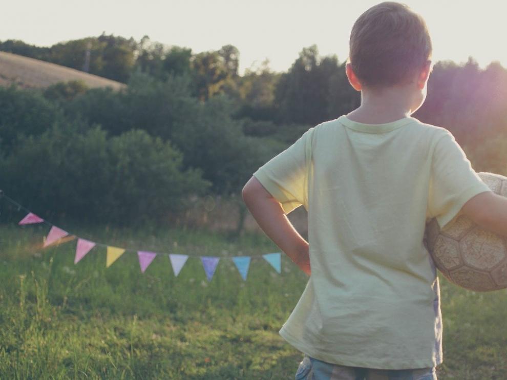 En verano los niños disfrutan de más tiempo libre para hacer deporte.
