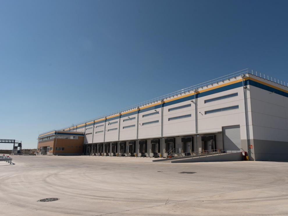 Nave de 26.531 metros cuadrados que ha acabado de acondicionar Amazon en Plaza para la clasificación de paquetería.