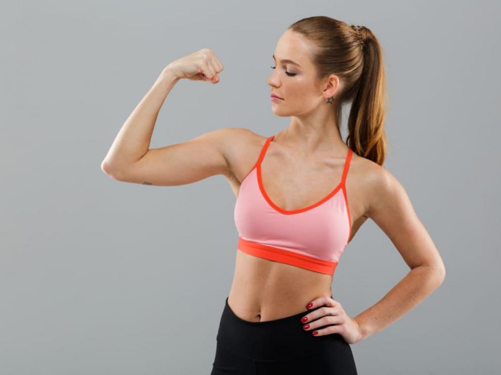 Combate los brazos flácidos con estos sencillos ejercicios
