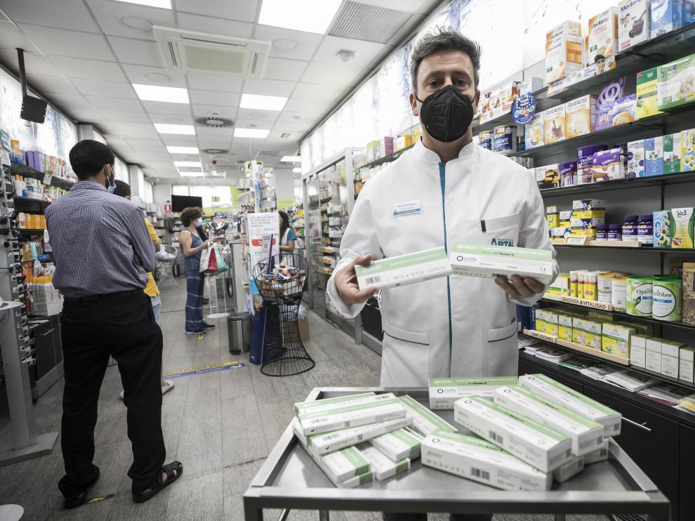En la farmacia Artal ya cuentan con test de antígenos para su venta.