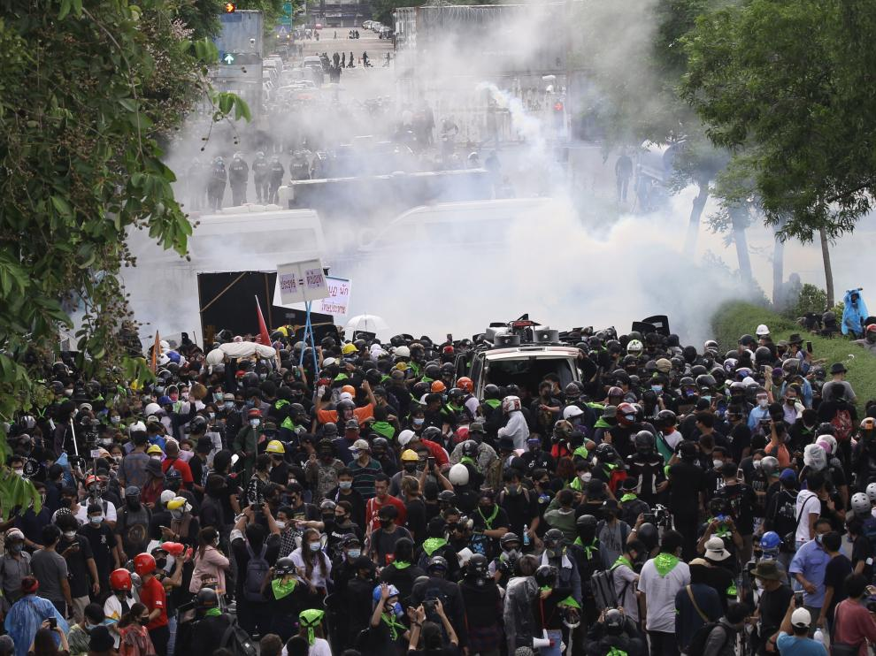 Un momento de las protestas este domingo en Bangkok.