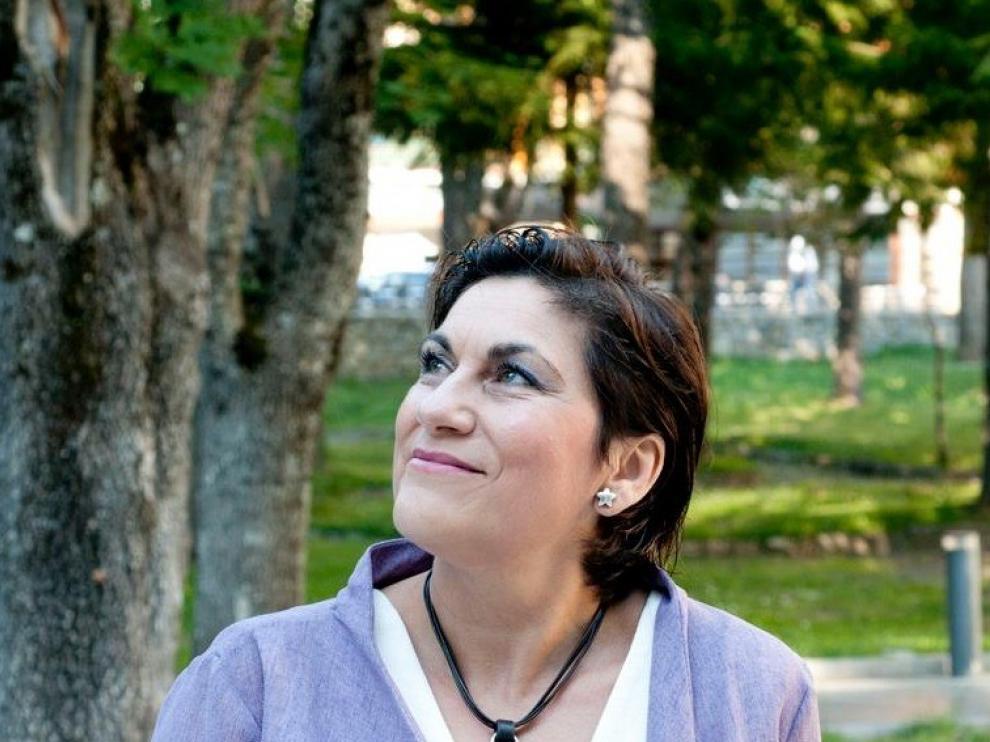 Carmen Esteban vive con absoluta pasión el mundo de la música y la literatura.