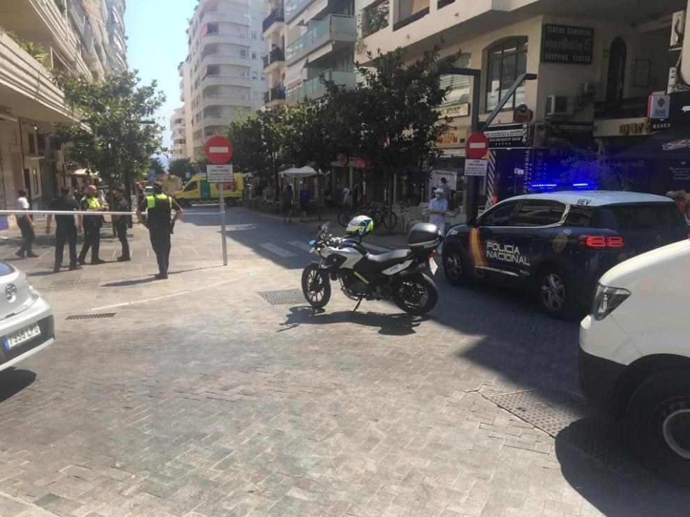 Efectivos de la Policía Nacional en el lugar del atropello