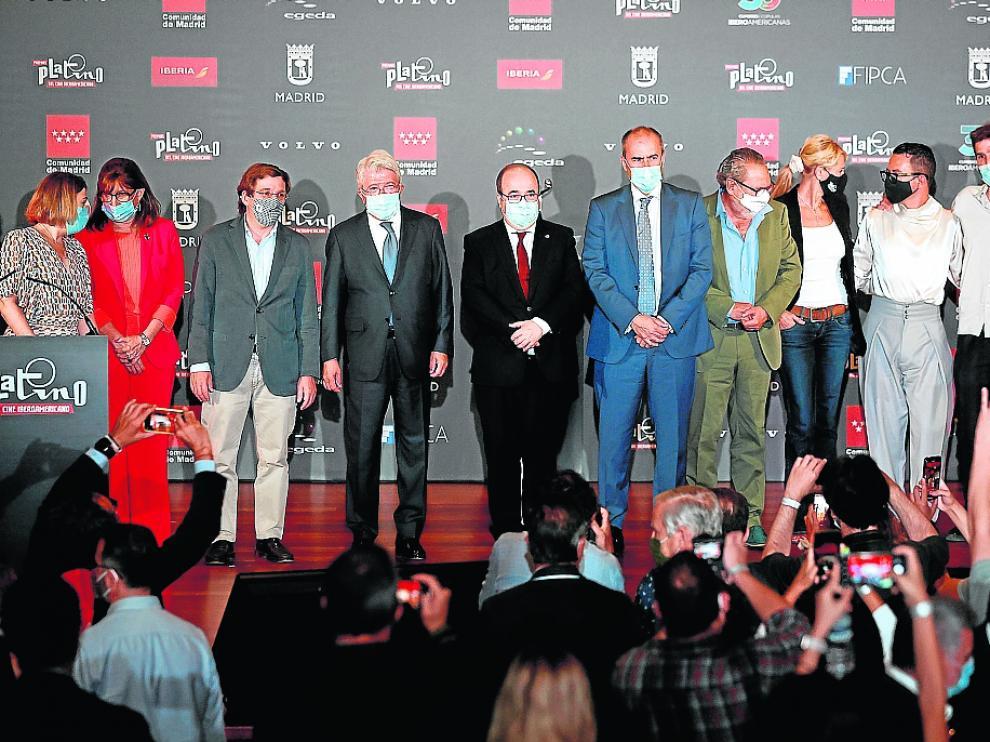Todos los participantes en la ceremonia de anuncio de las nominaciones a los Platino