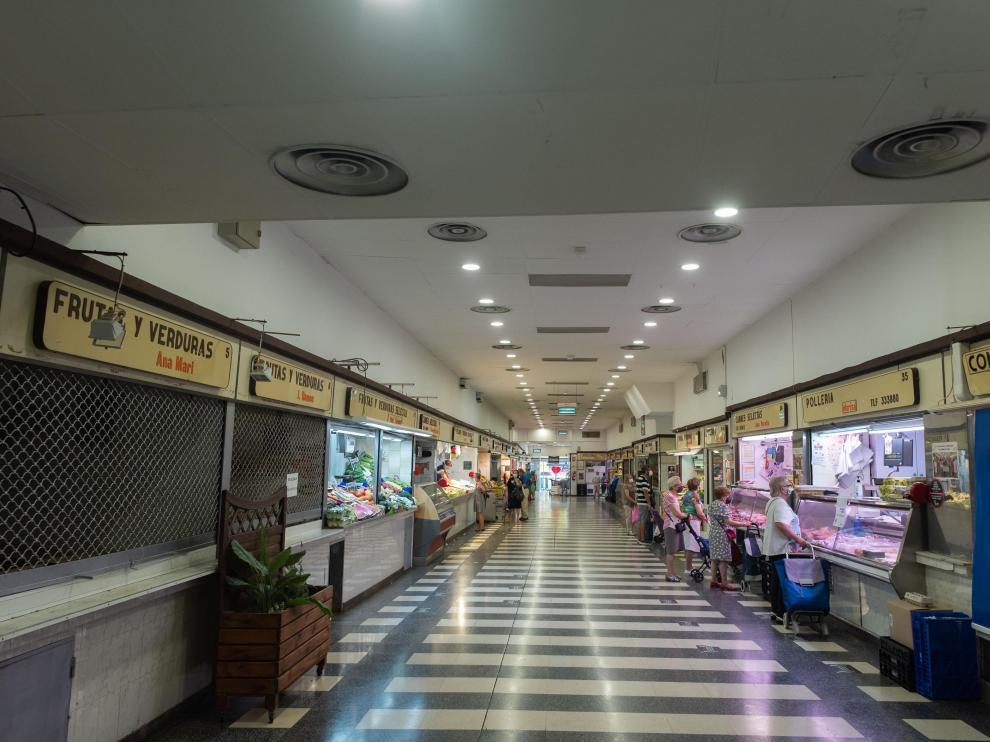 Aspecto del mercado Ciudad Jardín de Las Delicias en la mañana de este martes.