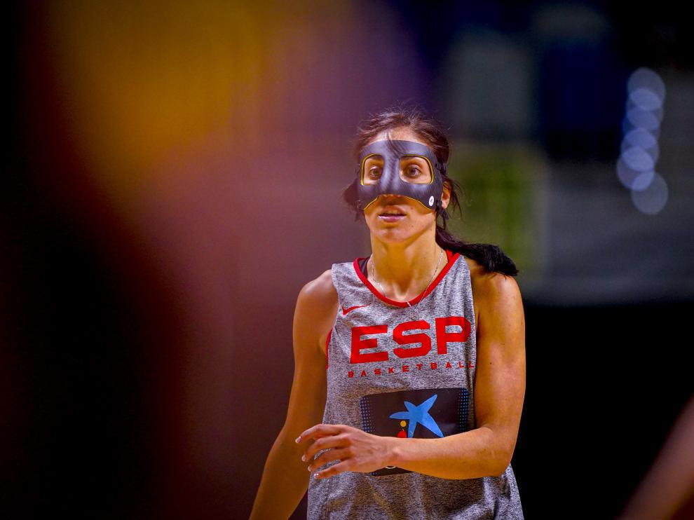 Cristina Ouviña, con la máscara protectora que le acompaña desde hace dos semanas.