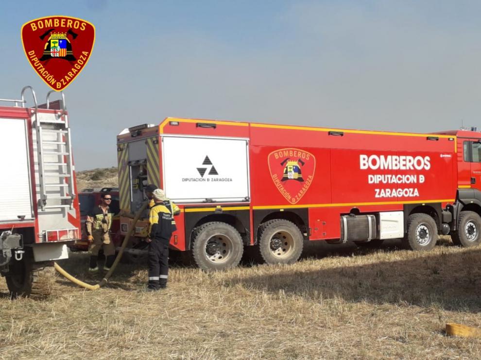 En la zona están trabajando un vehículo de mando y dos camiones nodriza de los parques de Ejea y Tarazona