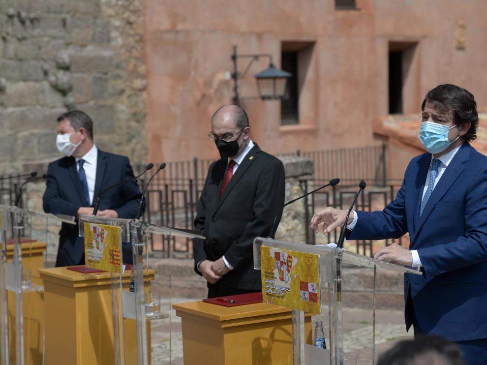 Los presidentes de Aragón, Castilla y León y Castilla-La Mancha, en Albarracín, para reclamar la aplicación de ventajas fiscales a las empresas.