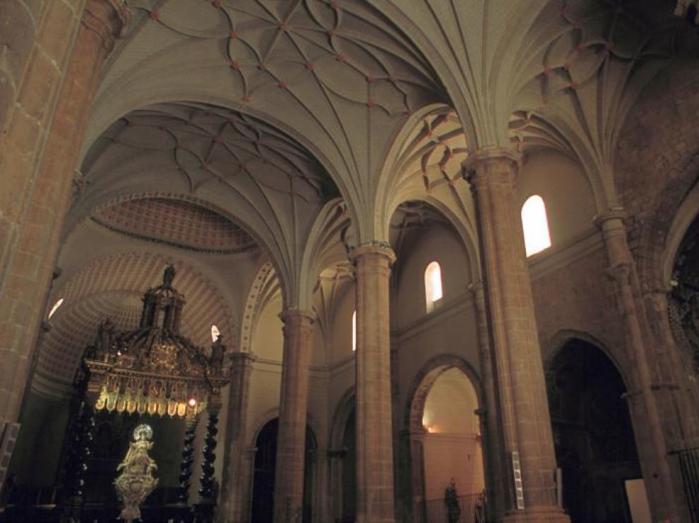 Interior de la Basílica de Santa María de los Corporales.