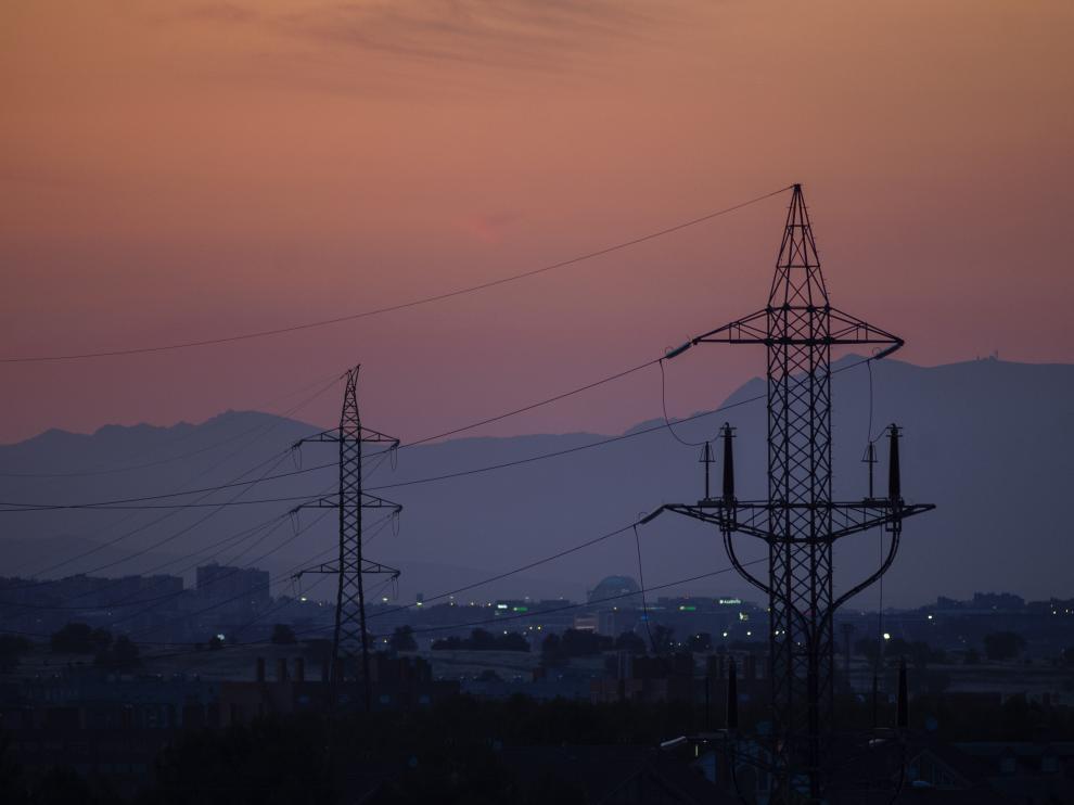 Torres de tensión en el Cañaveral (Madrid) el día en el que el precio de la luz alcanzó un máximo histórico esta semana.
