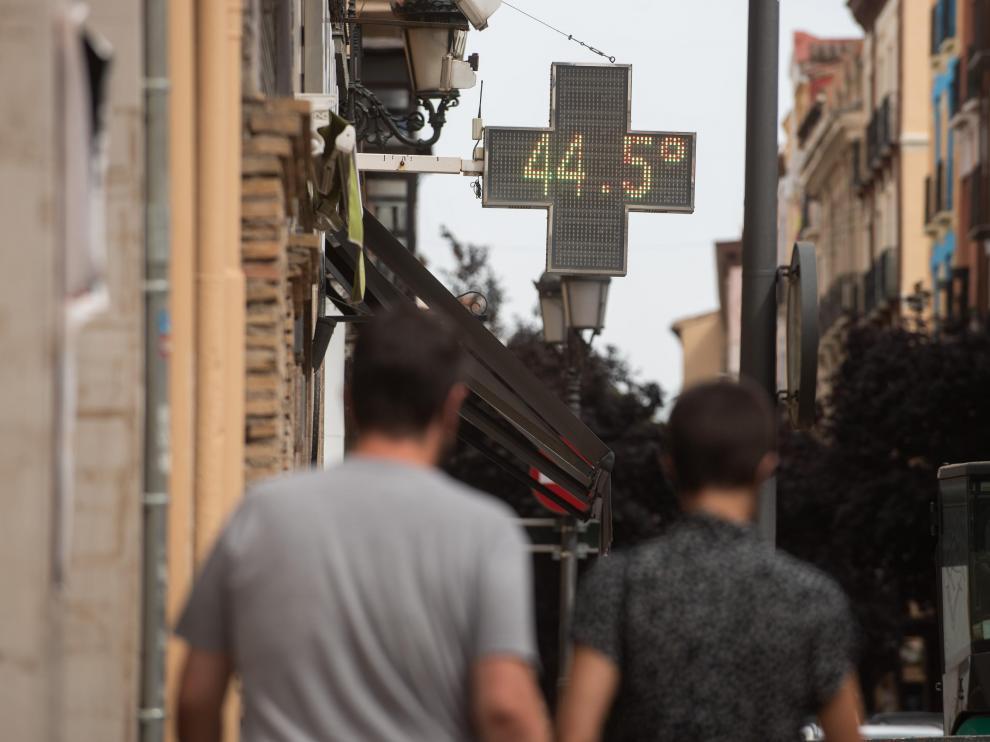 Un día asfixiante sin récord de calor en Aragón