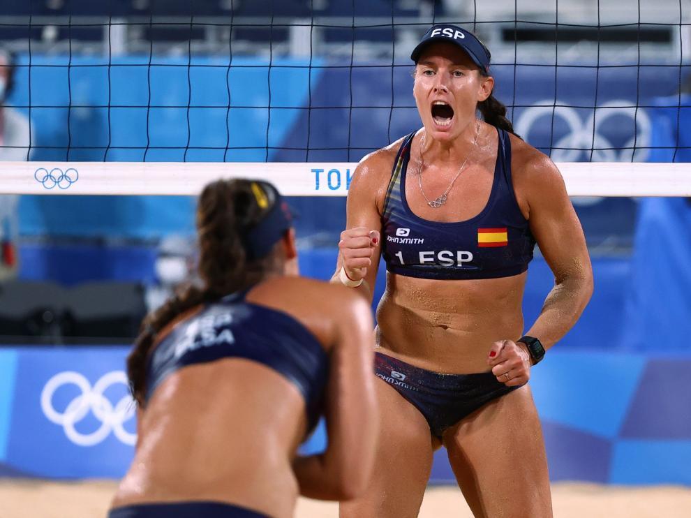 Beach Volleyball - Women - Pool B - Netherlands (Keizer/Meppelink) v Spain (Liliana/Elsa)