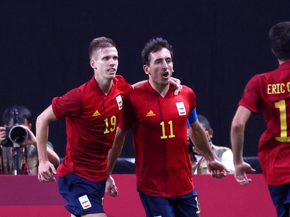 Soccer Football - Men - Group C - Australia v Spain