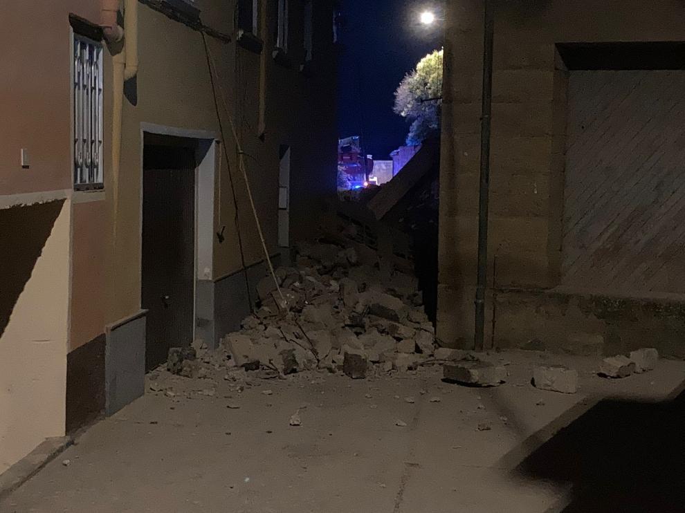 Imagen del derrumbe de la nave en Ayerbe.
