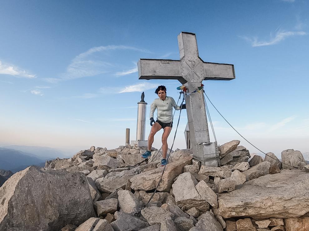 Oihana Kortazar, en la cima del Aneto.