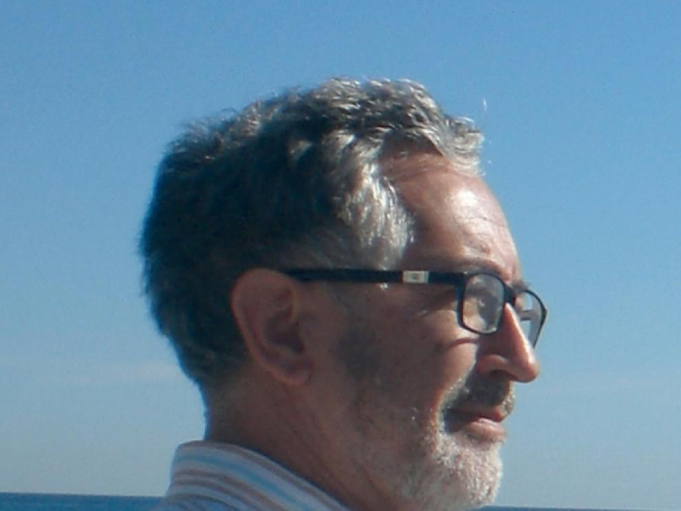 Retrato del poeta y narrador Juan Malpartida.