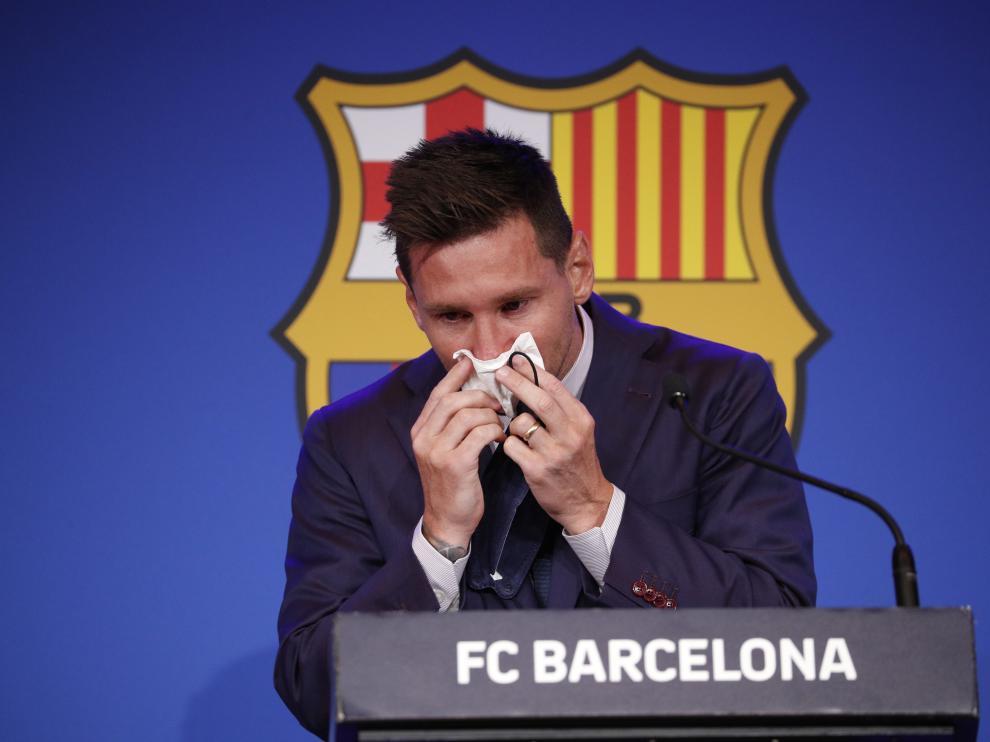 Messi se ha despedido entre lágrimas y rodeado de la plantilla y de sus familiares.