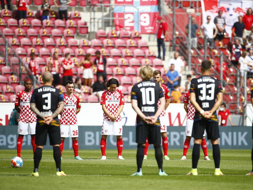 Bundesliga - 1. FSV Mainz 05 v RB Leipzig