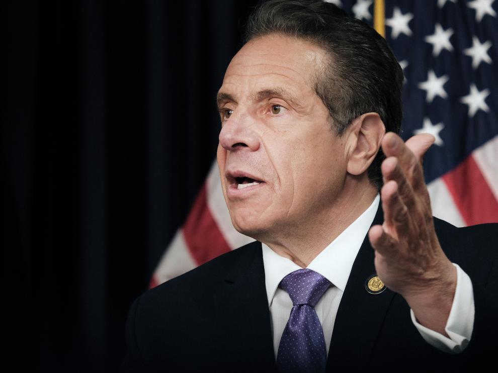 Gobernador de Nueva York se despide culpando a Fiscalía, políticos y prensa