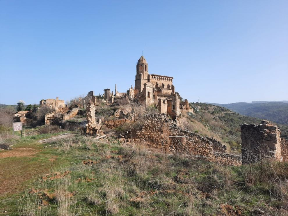La iglesia de Castarlenas, en Graus, está prácticamente en ruinas.
