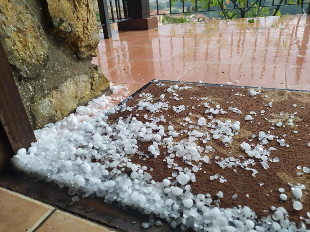 En Tramacastilla, el granizo ha dañado los huertos familiares.