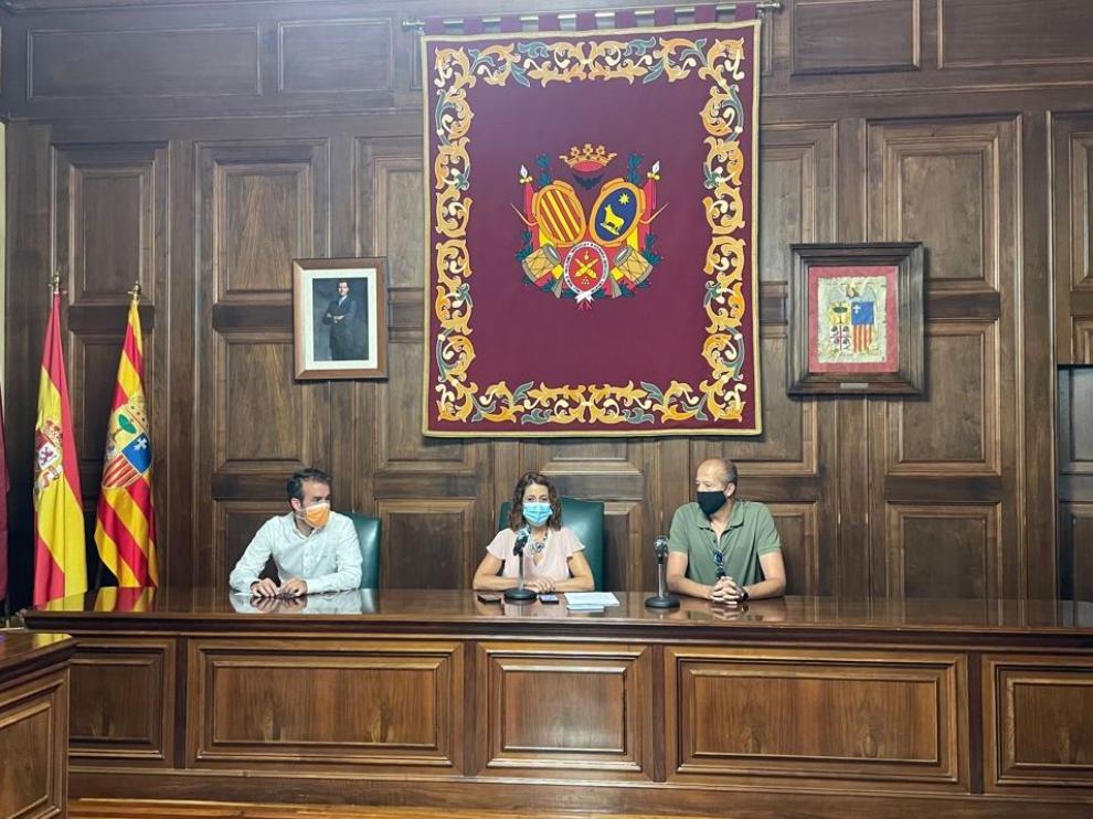 La alcaldesa, Emma Buj, en el Salón de Plenos del Ayuntamiento.