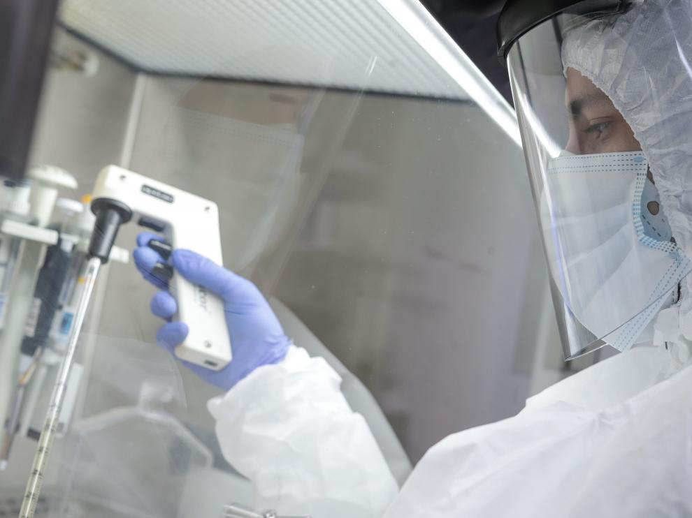 Secuenciación genómica y pruebas de potenciales fármacos para combatir el coronavirus.