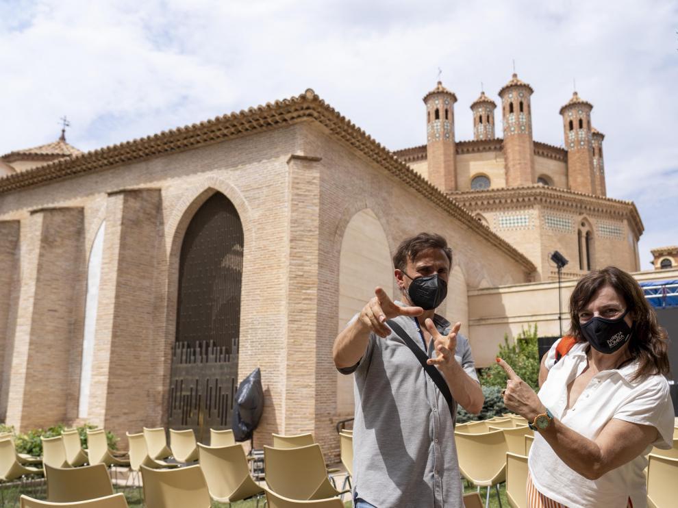 Ana Murugarren, directora de 'García y García', junto a José Mota, protagonista de la película, ayer en Teruel.
